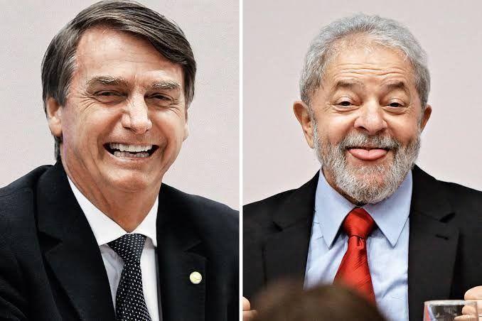 Presidente Jair Messias bolsonaro  admite que vai votar no Lula em 2022