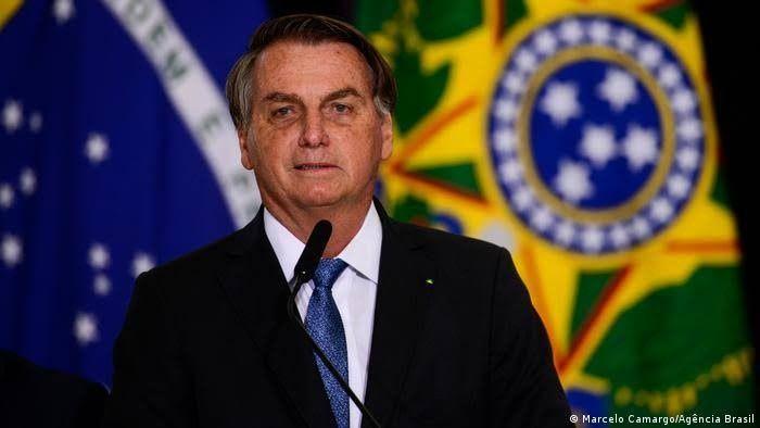 Bolsonaro aumenta  o auxilio