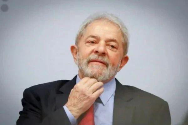 Ex-presidente lula proíbe o jogo among us